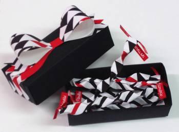 """Une boite DIY avec ses """"messages origamis """"sur lesquels nous laissons nos petits mots"""